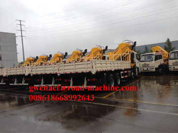 China HOWO Truck Mounted Crane 4 x 2 With Air Brake XCMG Crane SQ6.3SK2Q 6000KG distributor